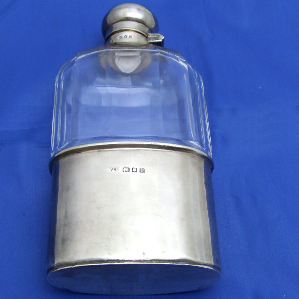 (a0200)Flask, 925 silver and glass, London silver mark (1919).