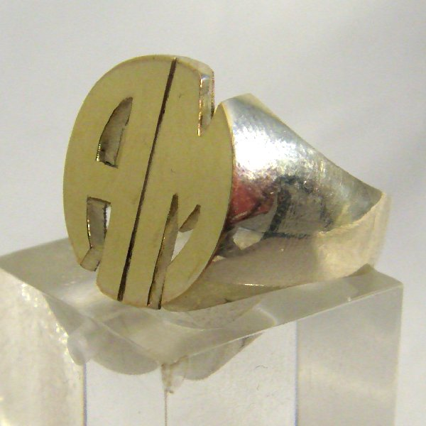 (r1054O)Seal ring with 2 initials, oval model.